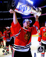 Antti Raanta Signed Chicago Blackhawks 2015 Stanley Cup Trophy 8x10 Photo