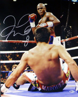 Floyd Mayweather Jr. Autographed 16x20 Photo Beckett BAS Stock #121894