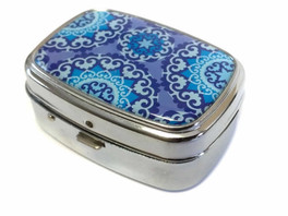 Elite Light Up Portable Pill Box in Style 4