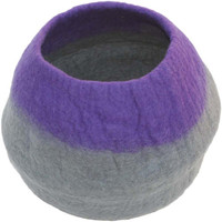 Lollycadoodle Wool Pet Cave in Purple