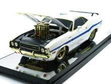 1970 Dodge Challenger M2 GROUND POUNDERS CHASE CAR 100 Made Diecast 1:18 Polar White