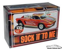 """1962 Corvette """"Sock it to Me"""" AMT Model Kit 1:25 Scale ENHANCED REISSUE"""
