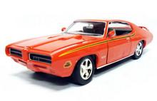 """1969 Pontiac GTO """"Judge"""" MOTORMAX Diecast 1:24 Scale Orange"""