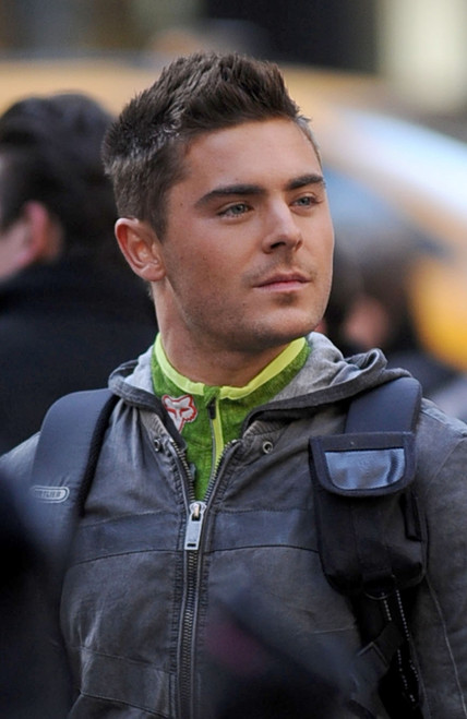 Zac Efron Short Hair New Years Eve Zac Efron On Location ...