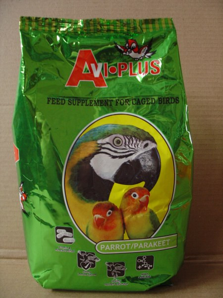 This food supplement is designed for use as a supplement to mixed diets. Lower fat levels allow for the addition of sunflower seed. Add in correct proportions to a cooked mix and sunflower seed for a complete diet, or add chopped greens and seed to make up a tasty wholesome diet for your pet parrot/parakeet. Easy to use, nutritious and filled with added vitamins and minerals, this supplement is perfect to keep your birds healthy and happy