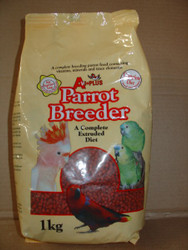 A bright red pelleted ration for birds that are breeding and feeding young. Contains extra protein and fat for the higher dietary requirements during breeding season, this is a quick easy option for providing a fully balanced optimal diet.