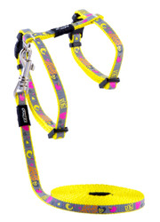 Rogz Catz Reflecto Cat ExtraSmall 8mm Fixed Kitten Lead and Adjustable Kitten H-Harness combination is reflective to ensure your kitty is seen even on the darkest nights when out for a stroll.  Reflecto Cat harnesses and leads are made from snag-proof webbing with a specially developed weave to prevent running and a reflective polyurethane overlay.  There are no open ends or sharp edges and matching collars are available. The Lead is 1.8m long and the Harness adjusts from 19-30cm. Suitable for most small cat and kitten breeds and sizes.
