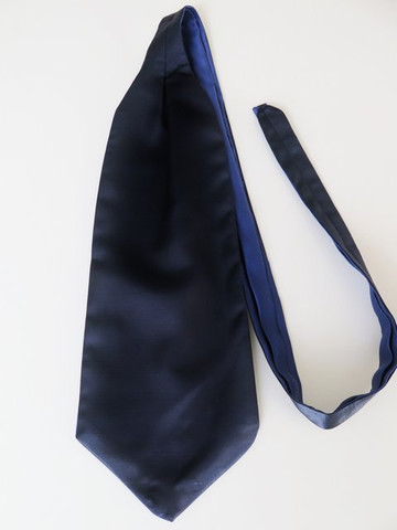 Navy blue wedding cravat