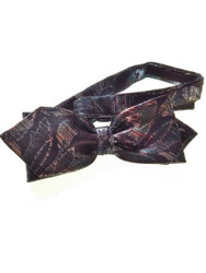 Metallic bow tie pointed ends