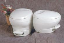 31084  Bravura Thetford Toilet