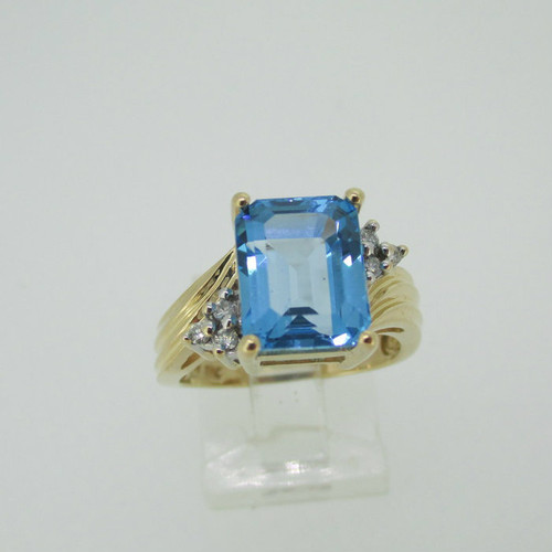 14k Yellow Gold Blue Topaz Fashion Ring with Diamond Accents Size 7 1/4