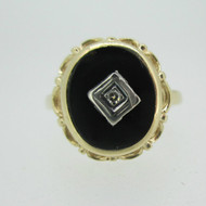 10k Yellow Gold Black Onyx and Diamond Ring Size 6