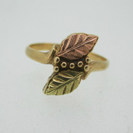 10k Coleman Co Black Hills Gold Leaf Design Ring Size 5
