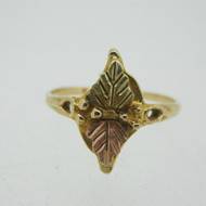 10k Coleman Co Black Hills Gold Leaf Design Ring Size 5 1/2