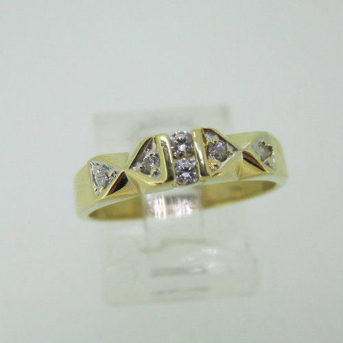 18k Yellow Gold Band with Diamond Accents Ring Size 6 3/4