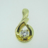 14k Yellow Gold Approx .25ct TW Round Brilliant Cut Diamond Beautiful Pendant