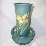 Roseville Vintage Pottery Flowered Vase 131-7 U.S.A