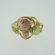 10k Black Hills Gold 4 Leaf Ring Size 7