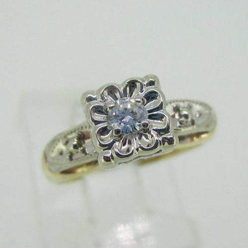 Vintage 14K Yellow Gold Approx .10ct Diamond Ring Size 3.25