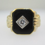10k Yellow Gold Black Onyx and Diamond Ring Size 8 1/2