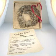 1995 Fingerhut Collector's Ornament Fine Pewter Happy Holidays Wreath in Box USA