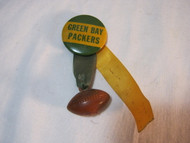 Vintage Green Bay Packers Old Button Pinback w/ plastic Football  T*